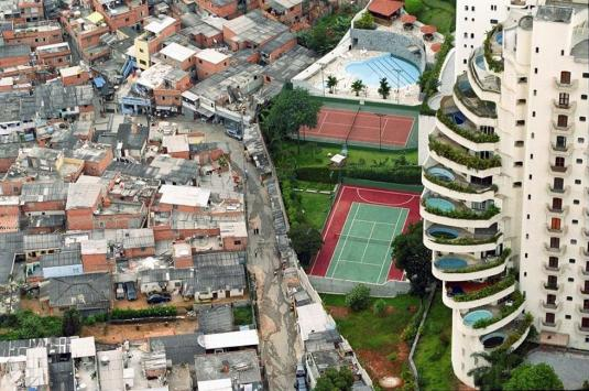 poverty-and-wealth-next-door-to-each-other-in-brazil